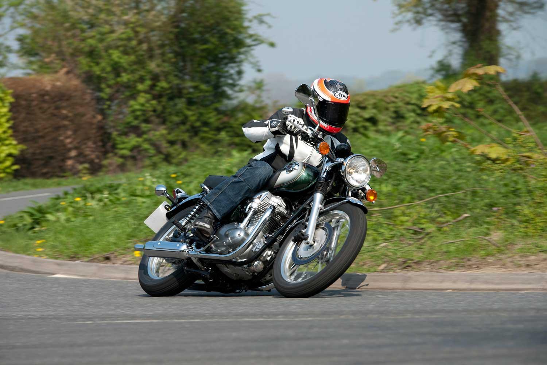 Triumph-Bonneville-vs-Kawasaki-W650-018
