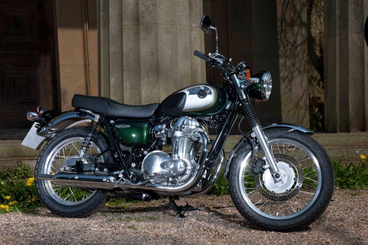 Triumph-Bonneville-vs-Kawasaki-W650-023