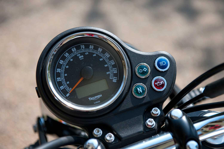 Triumph-Bonneville-vs-Kawasaki-W650-029