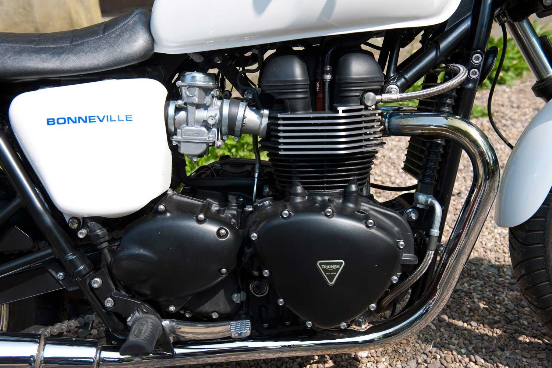 Triumph-Bonneville-vs-Kawasaki-W650-035
