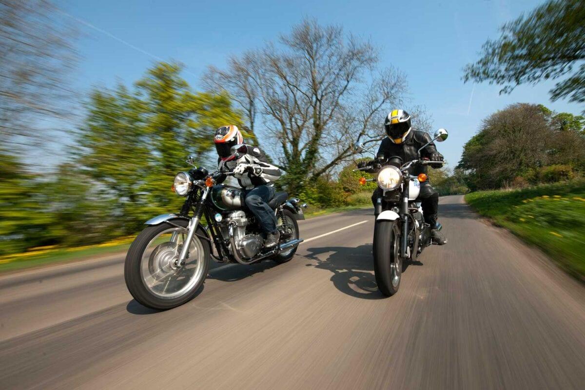 Triumph-Bonneville-vs-Kawasaki-W650-043
