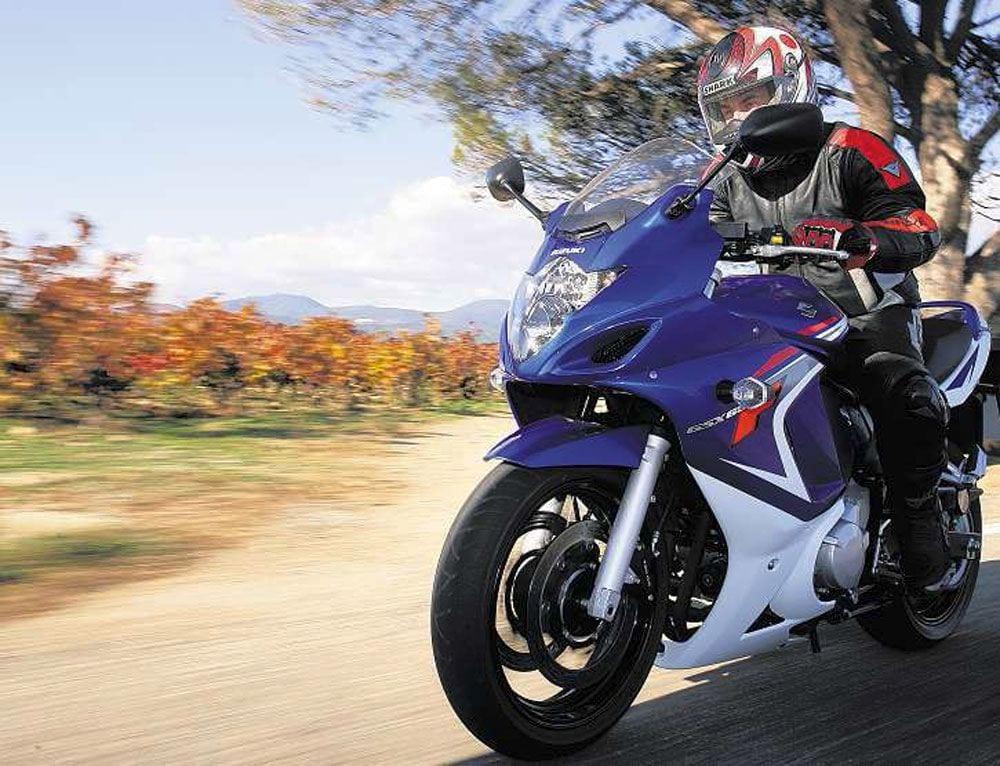 2009-Suzuki-GSF650F-1