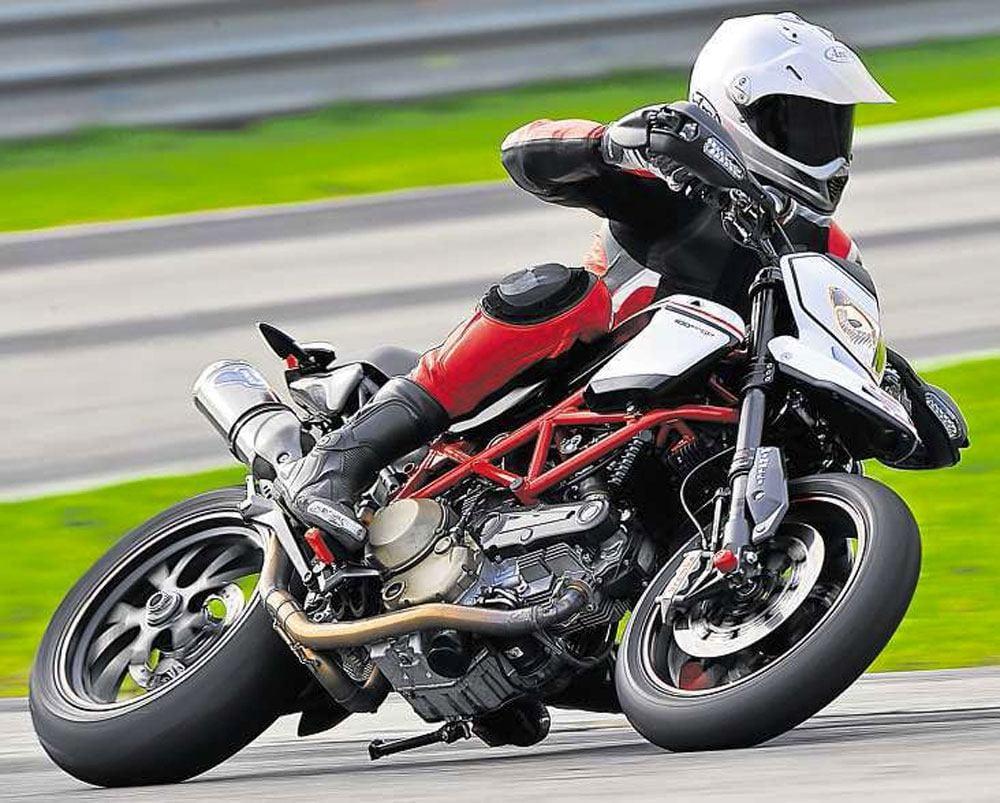 Ducati-Hypermotard-1