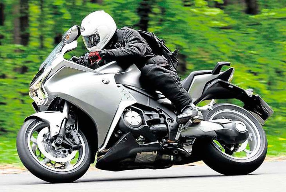 Honda-DCT-VFR1200--2