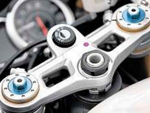 Triumph-Daytona-675R-12