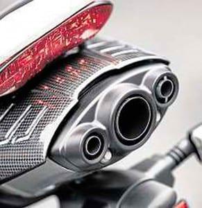 Triumph-Daytona-675R-2