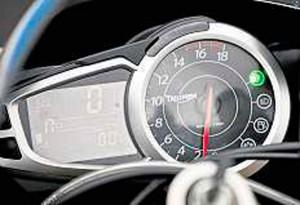 Triumph-Daytona-675R-4