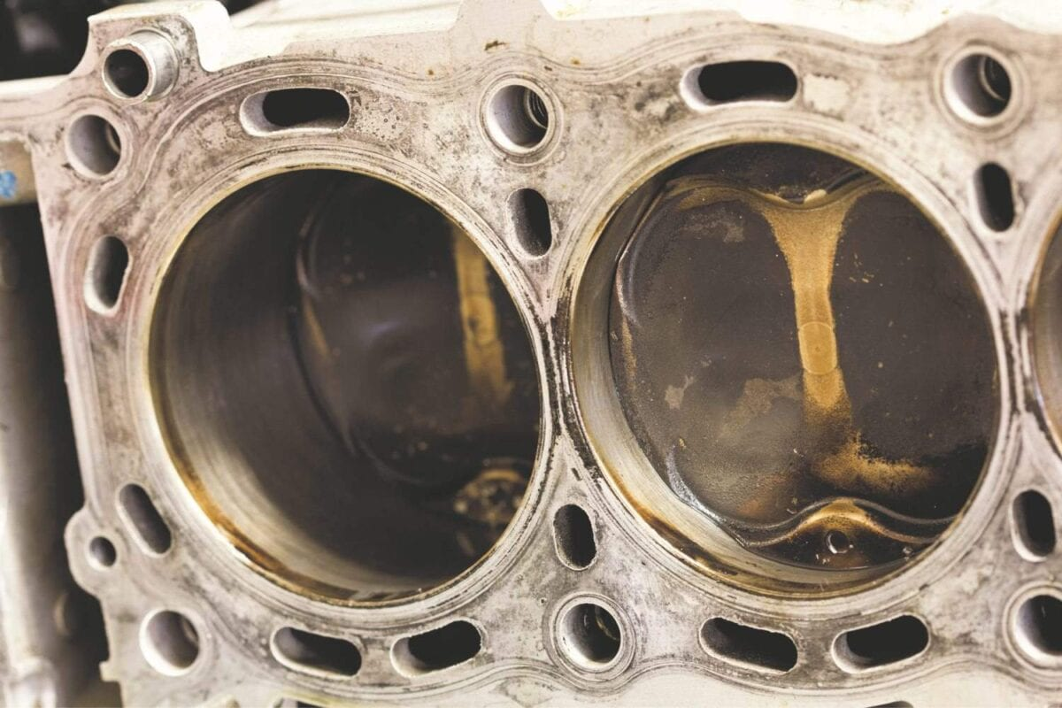 004_MAIN-Engine-cylinders