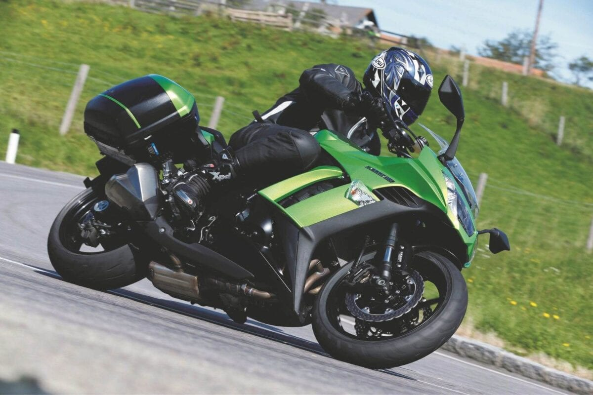 Kawasaki Z1000SX morebikes