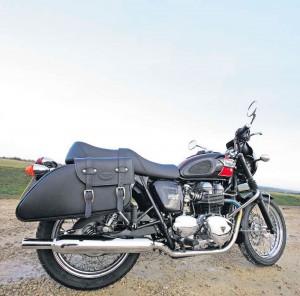 Triumph-Bonneville-T100-1