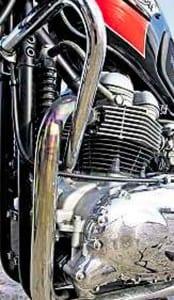 Triumph-Bonneville-T100-2
