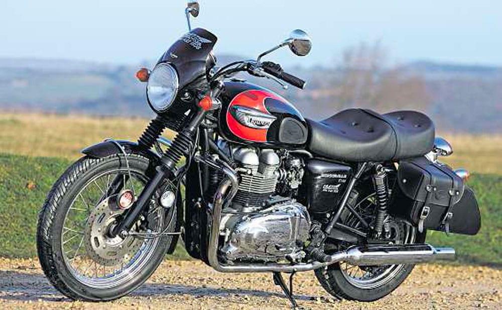 Triumph-Bonneville-T100-5