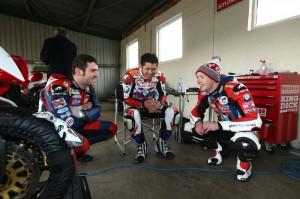 Dunlop chats to Buildbase BMW Motorrad riders Kiyo and Westmoreland