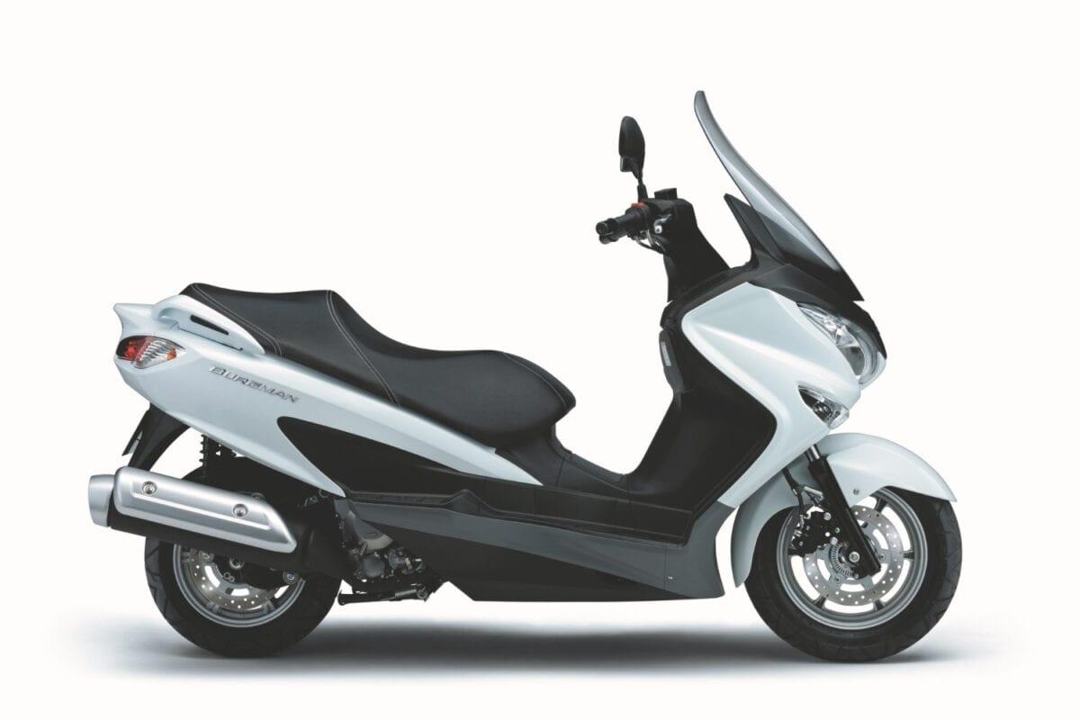 Suzuki-Burgman-125-2014-1