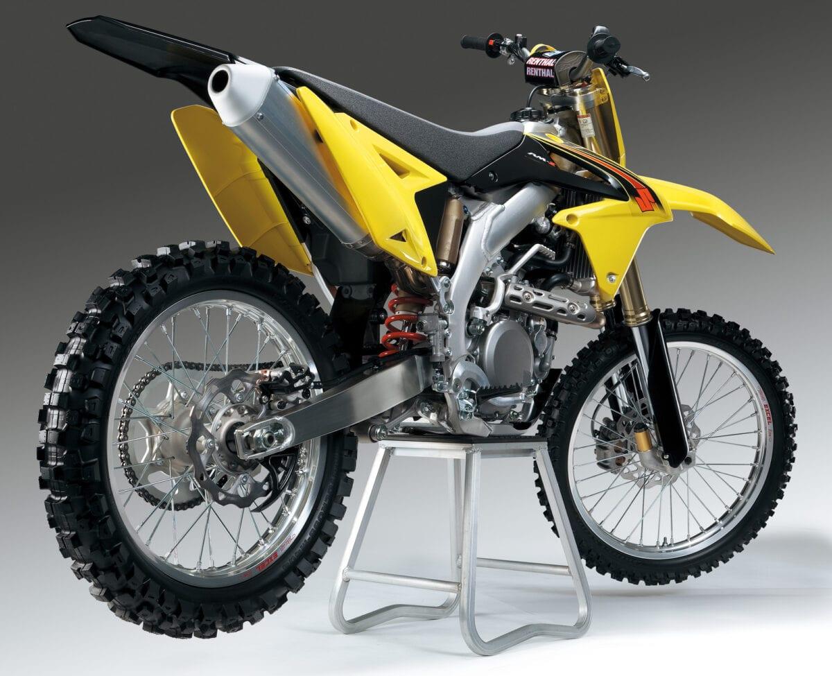 rmz450l5_styling_rear__VE47Pgj2FObRusG