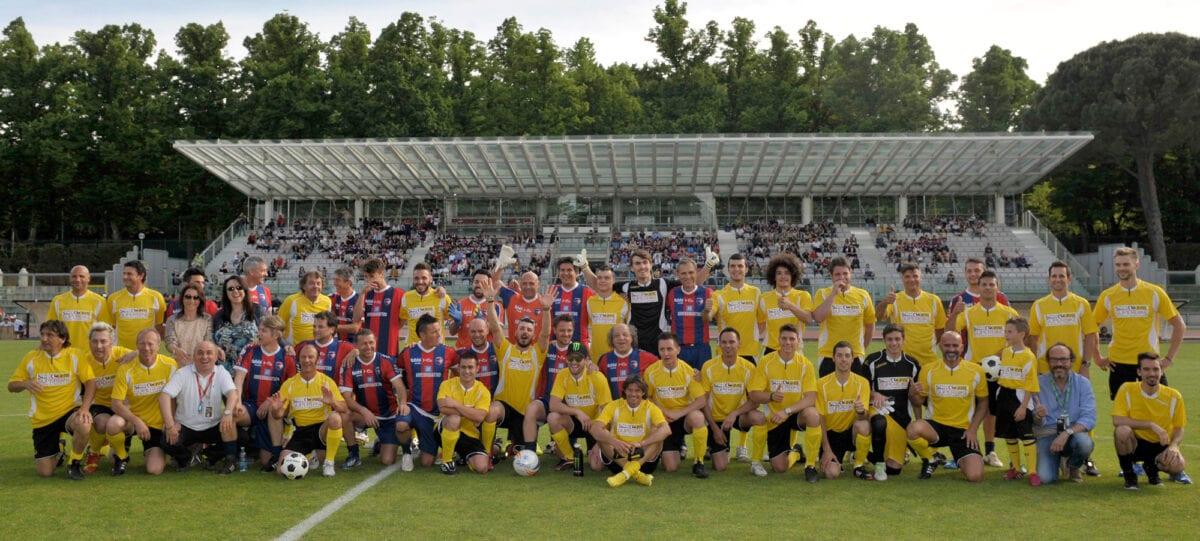 wsbk-e-wss-ad-imola-il-calcio-dinizio-del-quarto-round-della-stagione-teams-picture