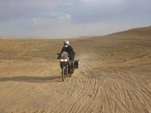 2mororider_TURKMENISTAN-RIDING