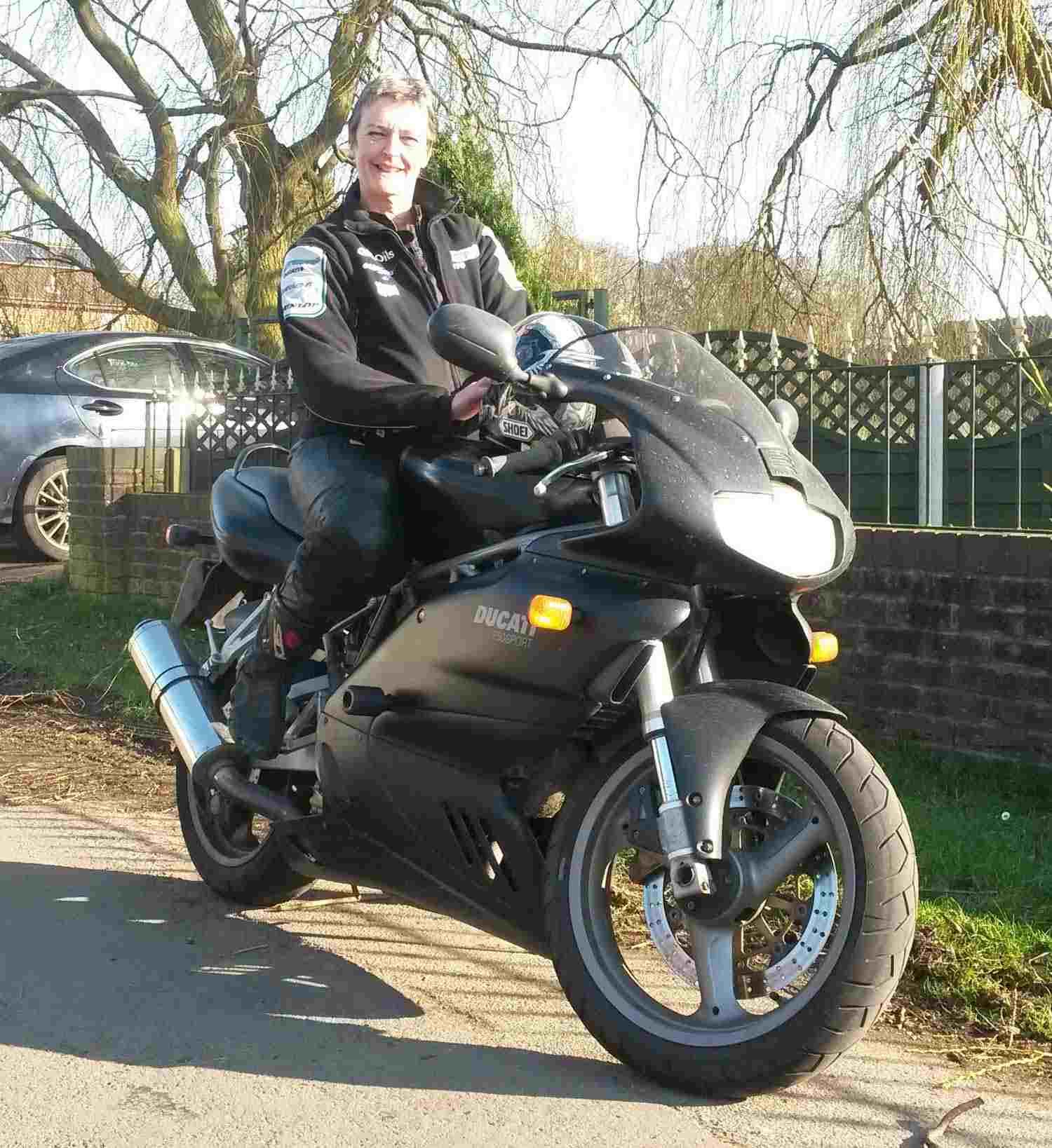 Ducati-750-Sport_Julie-Smith
