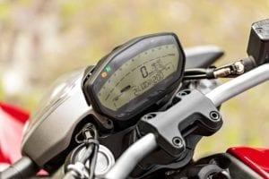 2014-Ducati-Monster-821003