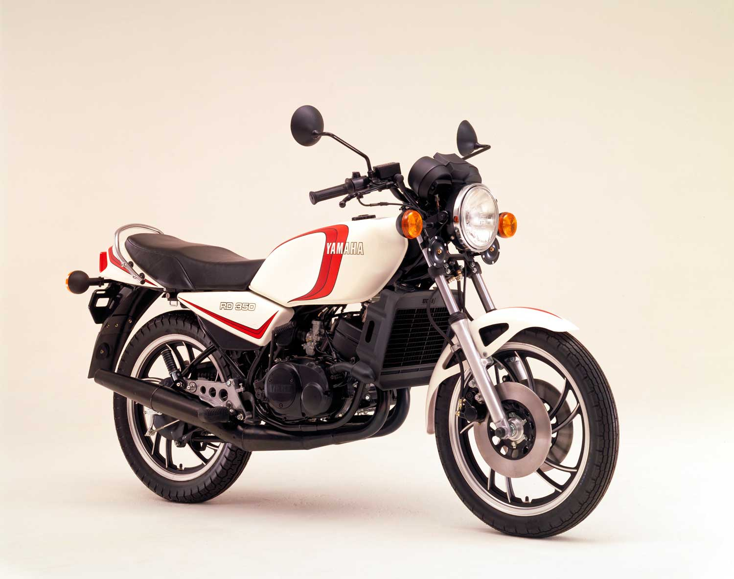 1980_Yamaha-RD350_Photo-Credit_Yamaha-Motor-Co.-Ltd_02