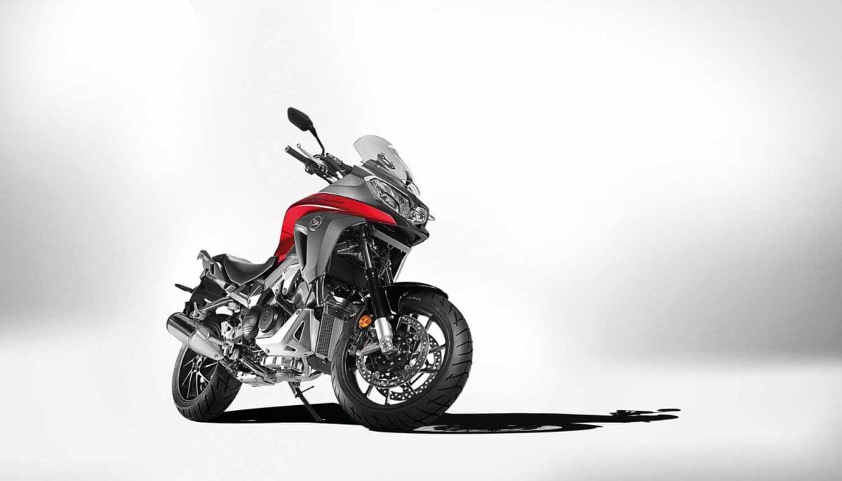 Honda-VFR800X-Crossrunner-003