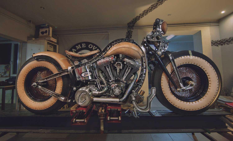 Tatooed-motorcycle-Cheyenne-Bike---color-(6)