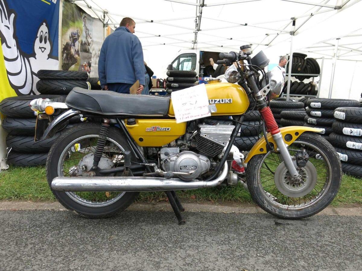 1975-Suzuki-GT250