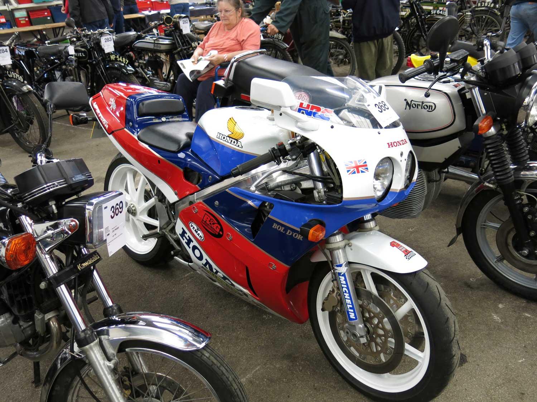 1988-Honda-VFR750R-RC30
