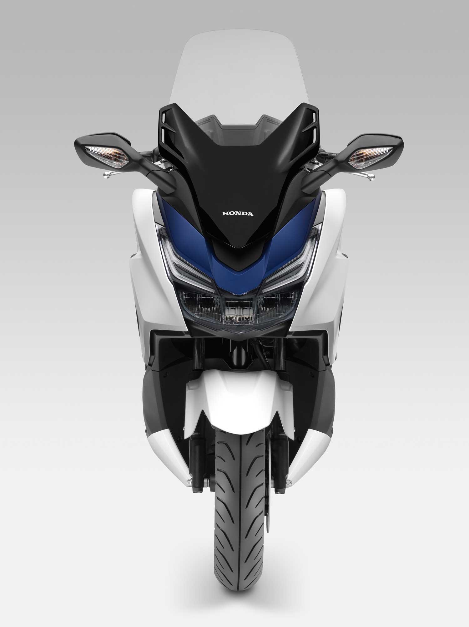 2015-Honda-Forza-125-003