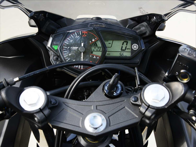 Yamaha-YZF-R3-010