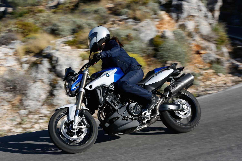 2015-BMW-F800R-008