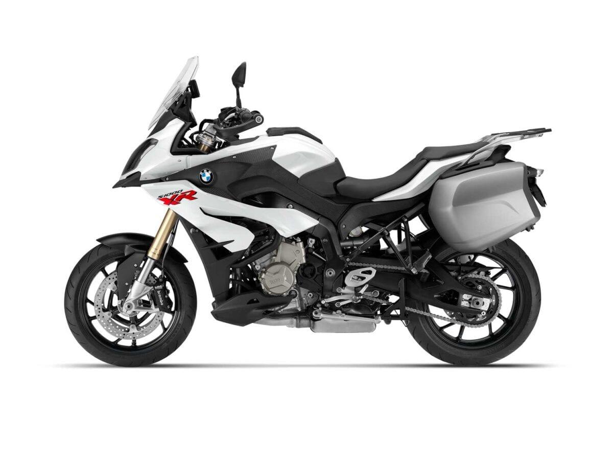 2015-BMW-S1000XR-028