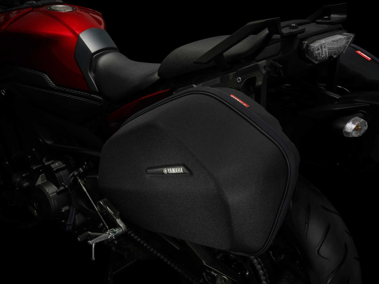 2015-Yamaha-MT-09-Tracer-001
