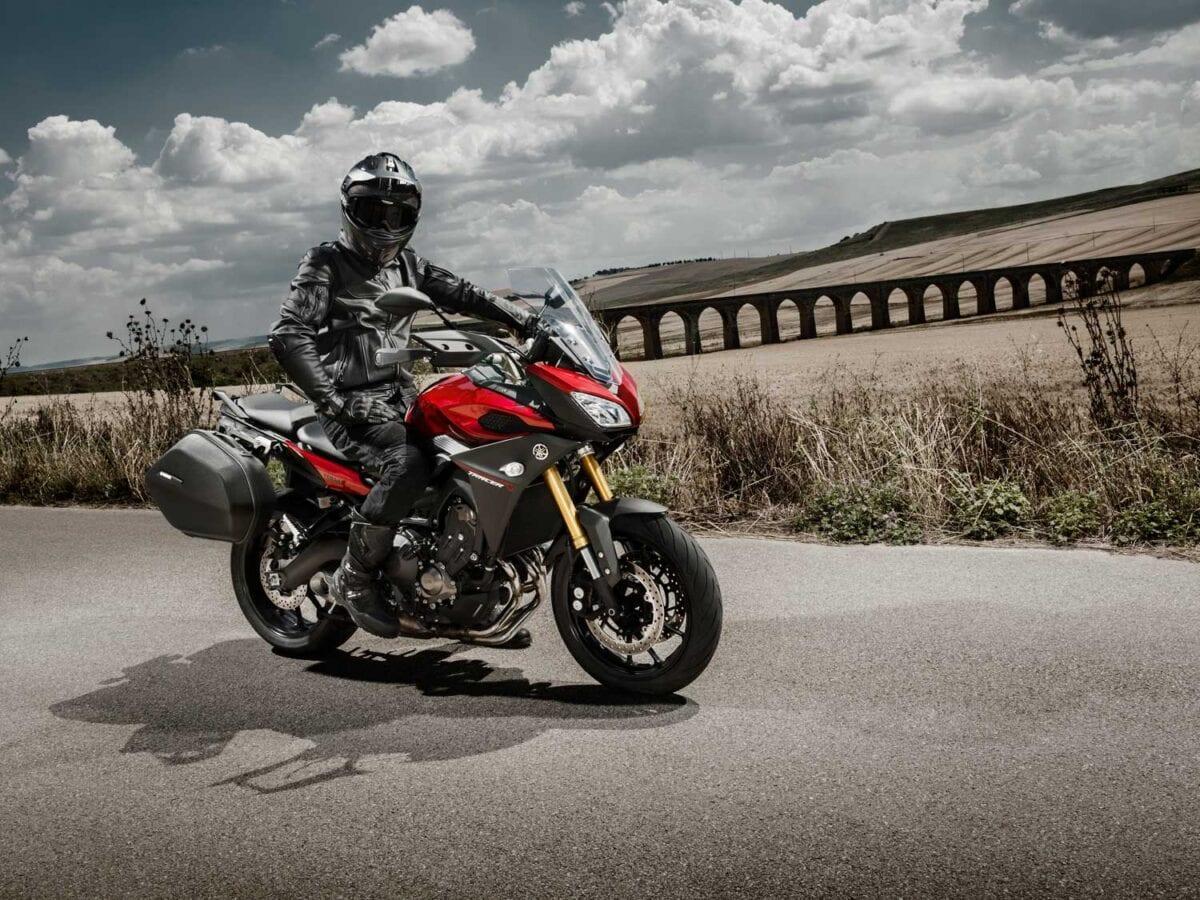2015-Yamaha-MT-09-Tracer-003