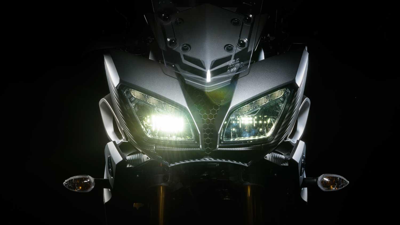 2015-Yamaha-MT-09-Tracer-018