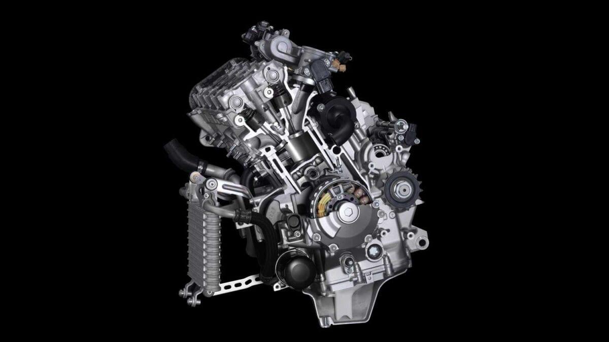 2015-Yamaha-R1-007