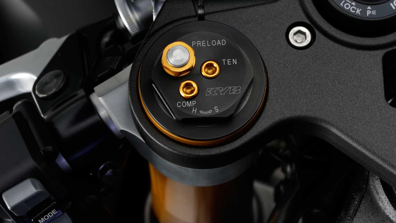 2015-Yamaha-R1-024