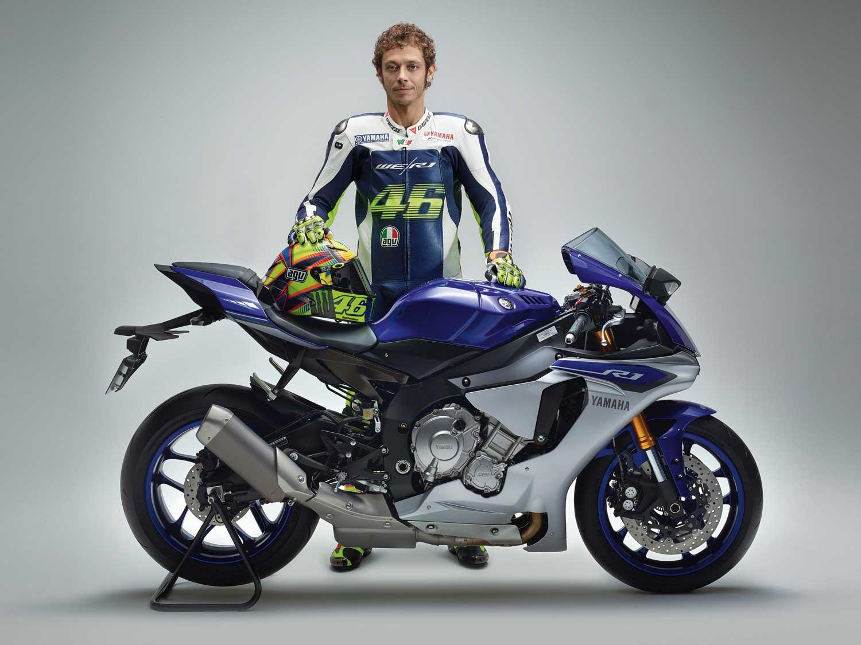 2015-Yamaha-R1-042