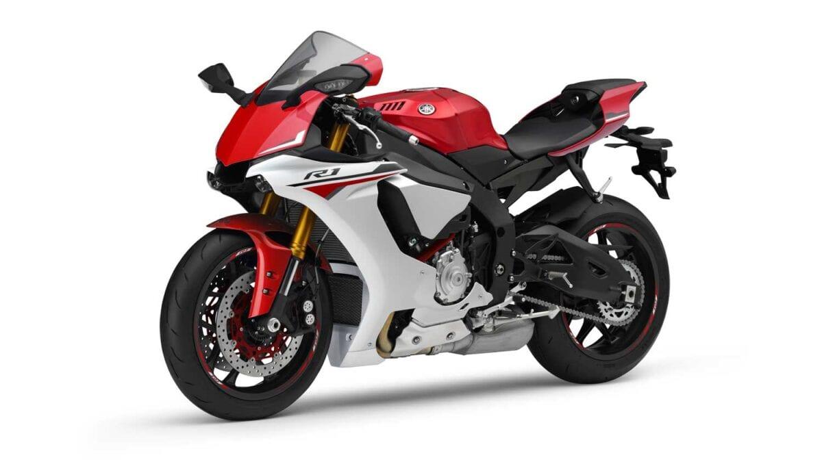 2015-Yamaha-R1-047