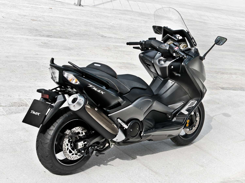 2015-Yamaha-TMAX-IRON-016