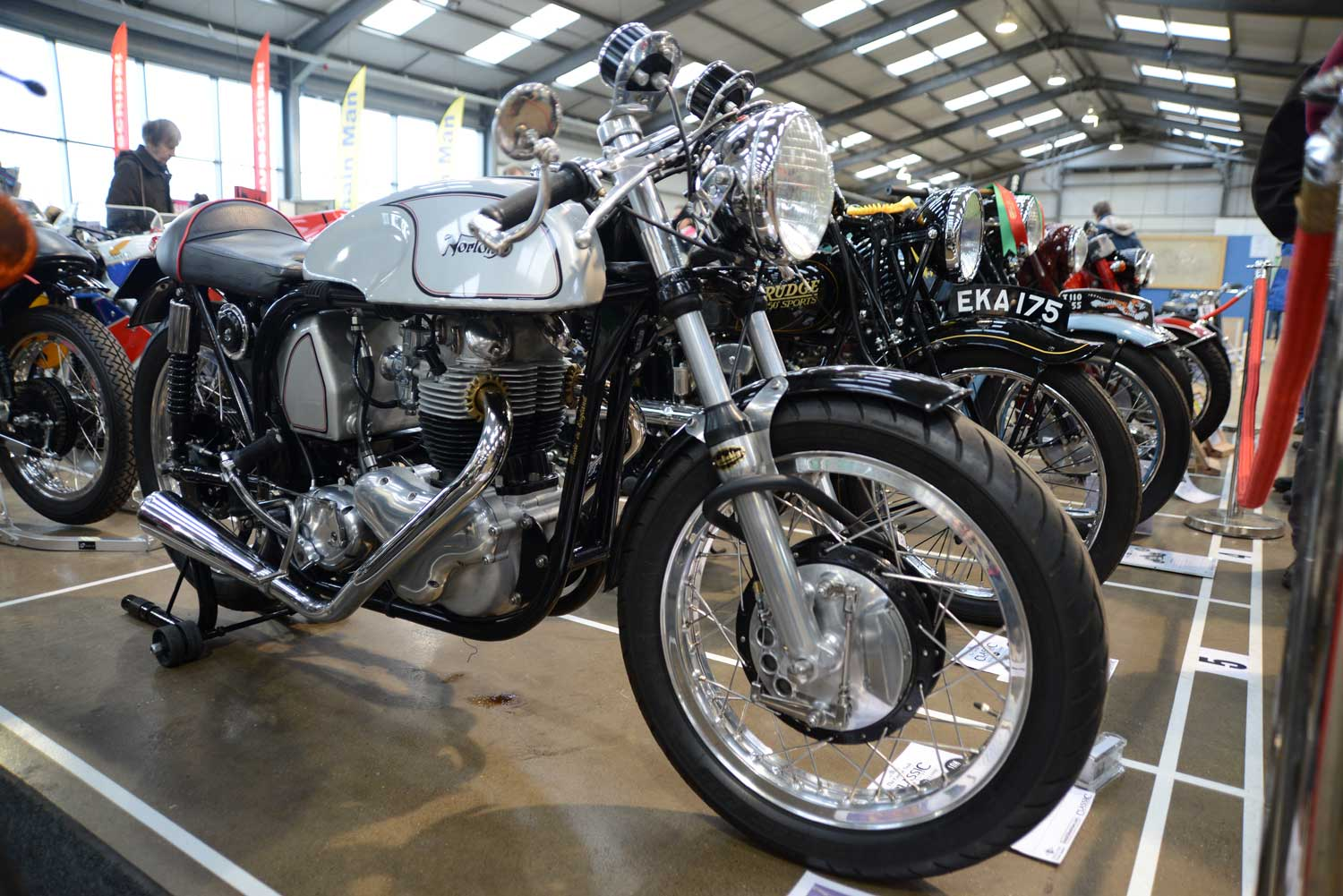 A-stunning-Norton-at-the-Carole-Nash-Classic-Bike-Guide-Winter-Classic-2014.-Credit---Mortons-Archive