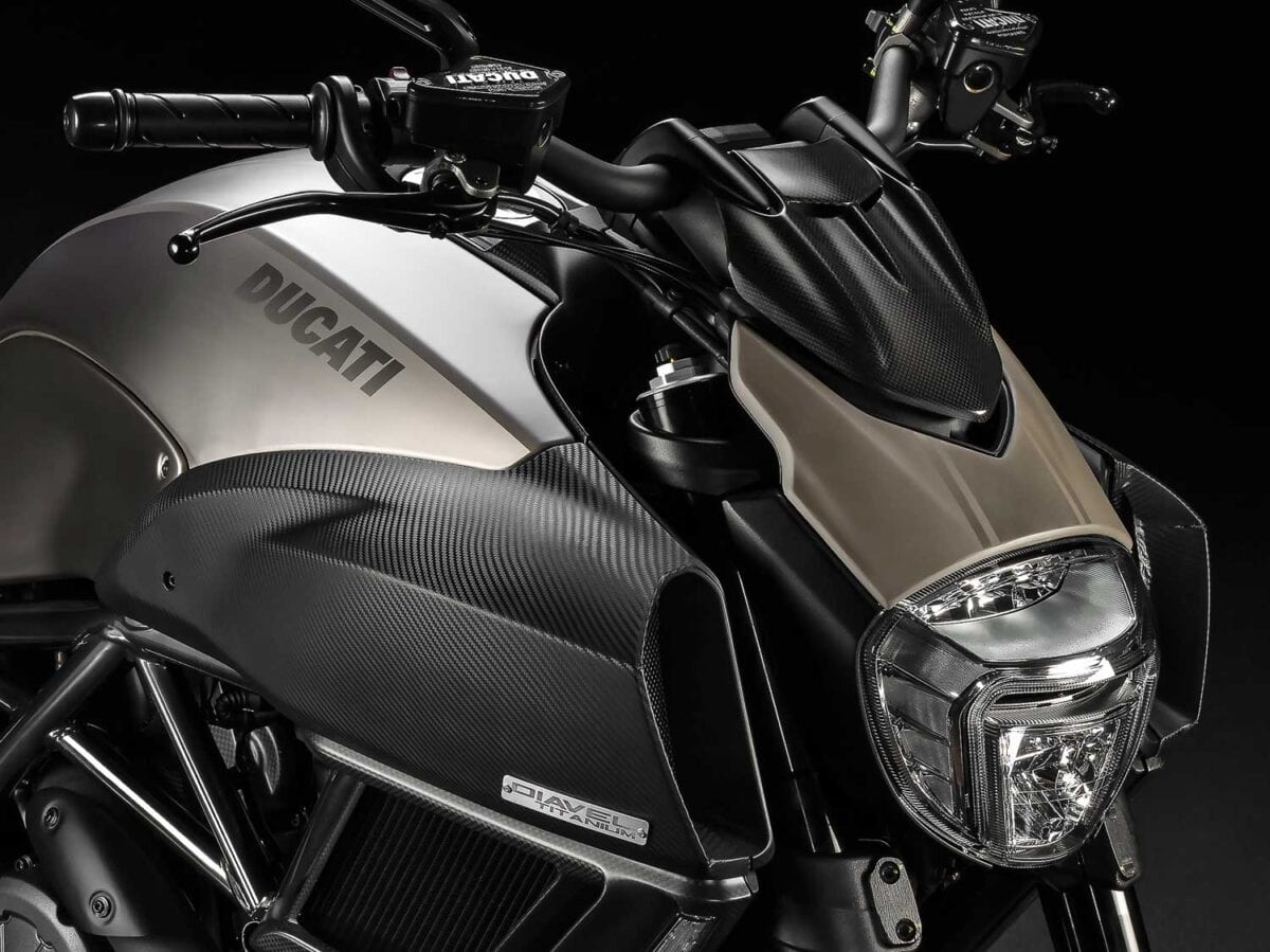 Ducati-Diavel-Titanium-002