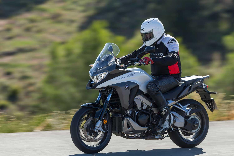 Honda-VFR800X-Crossrunner-001