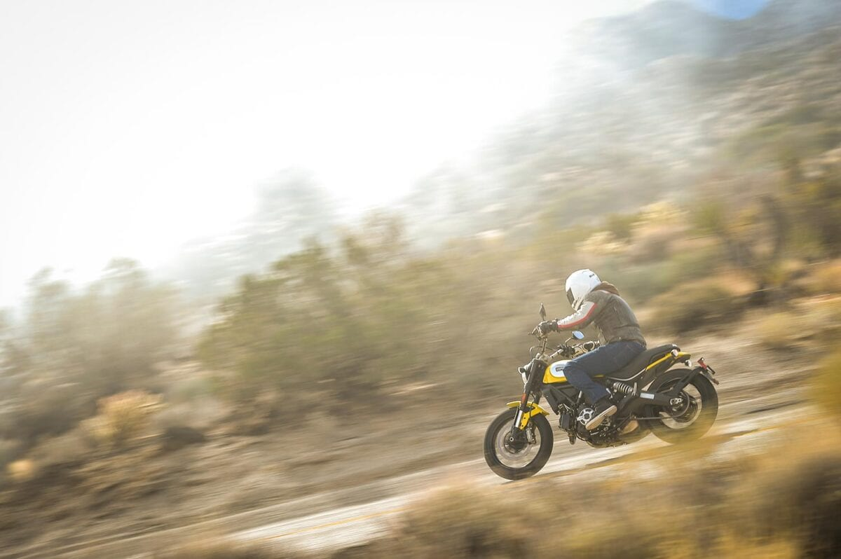 Ducati-Scrambler-Action-099-WARM