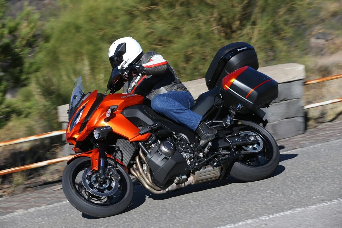 Kawasaki-Versys-1000-action-0033
