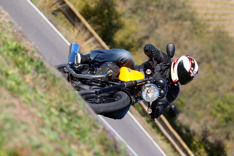 Moto-Guzzi-V7-040-AS3Y0307