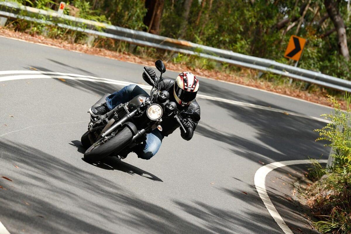 045_Yamaha-XJR1300-004