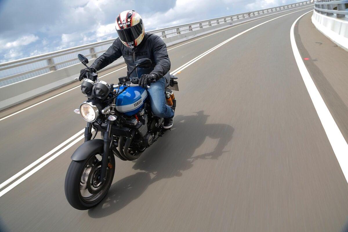 045_Yamaha-XJR1300-072