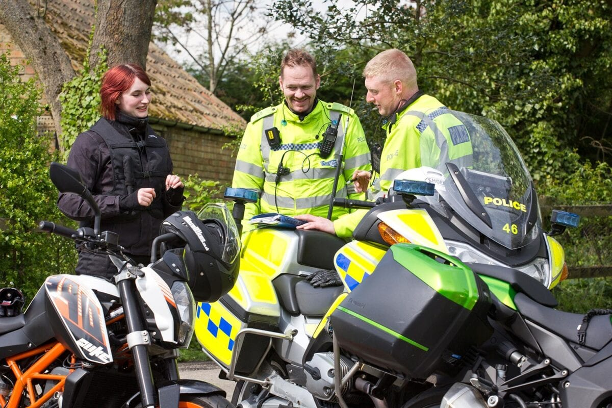 BikeSafe_026_Side-of-road-2