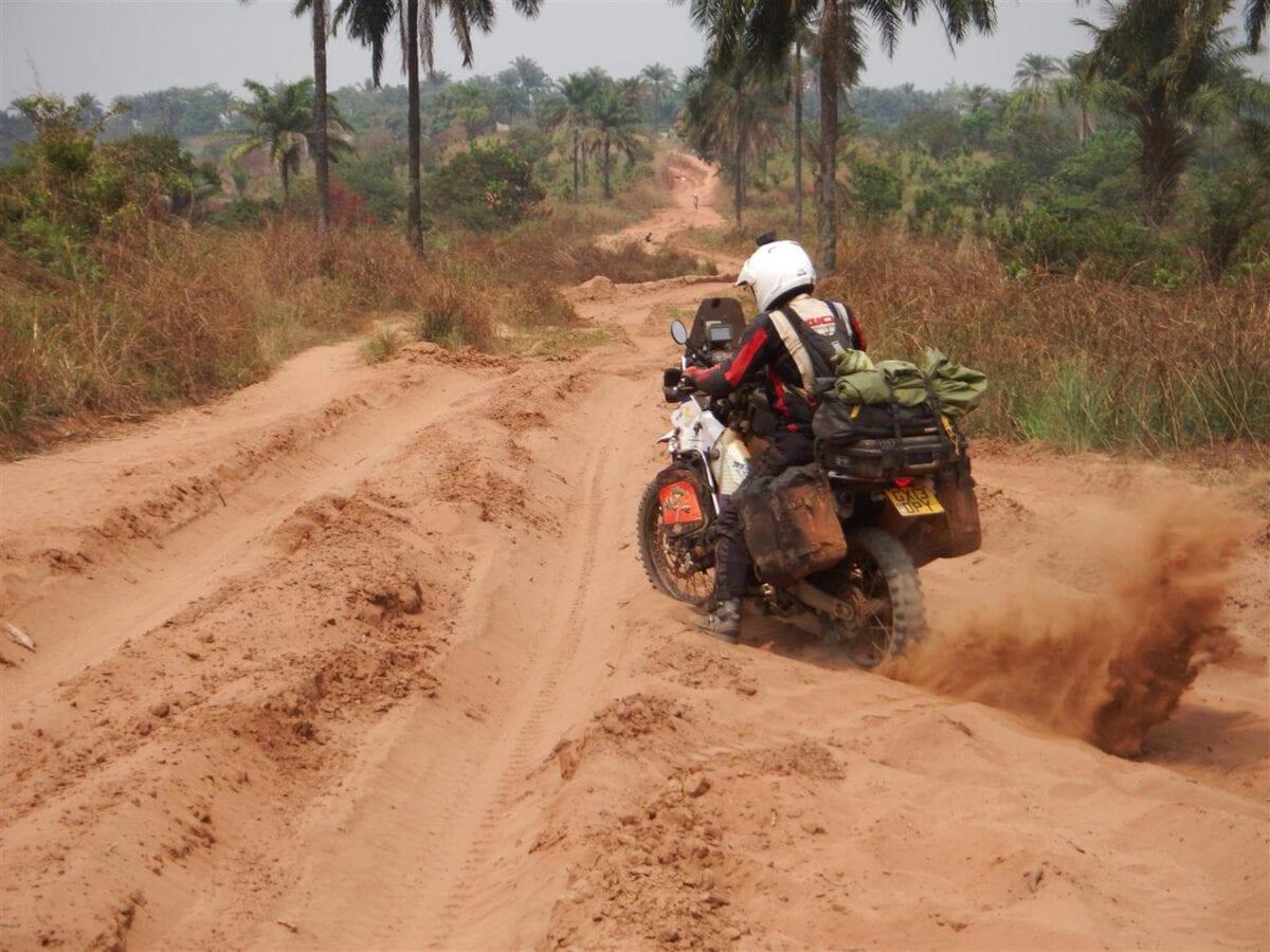 Overland-Rider-001